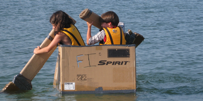 Cardboard-Boat-Feature-IMG_2116-660x330